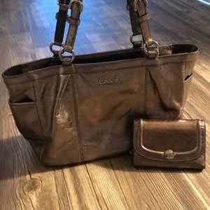 Coach shoulder bag with wallet